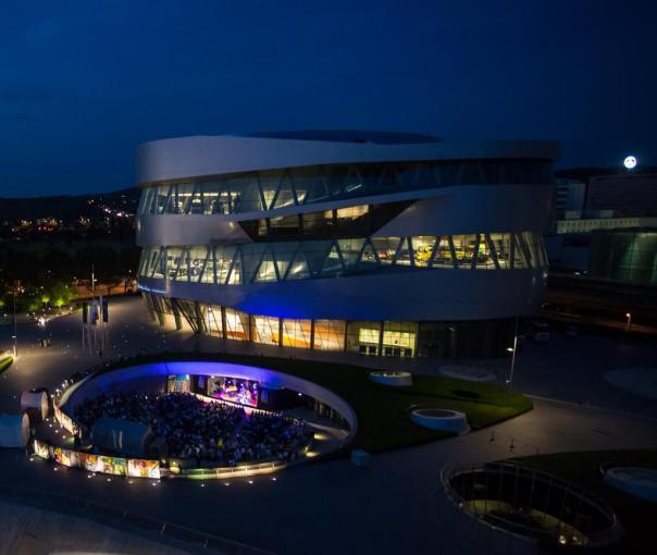 jazzopen stuttgart 2014: Jazz vom Feinsten auf der Open Air Bühne am Mercedes-Benz Museum