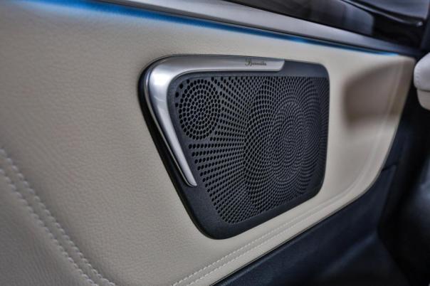 Neue Klangdimension in der Großraum-Limousine