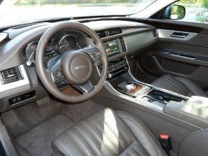 Jaguar XF Interieur Foto Rudolf Huber