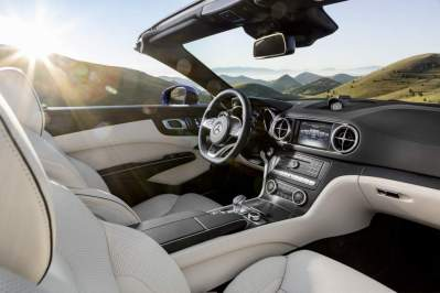 Mercedes-Benz SL. Interieur, Nappaleder porzellan / schwarz Mercedes-Benz SL. Interior, nappa leather porcelain / black